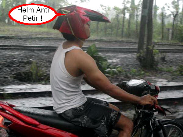 Helm Spakbor1