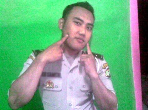 polisi lebay
