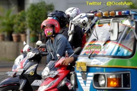 cewek pake masker (1)
