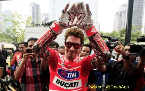 Nicky Hayden Jajal Jalanan di Jakarta 1