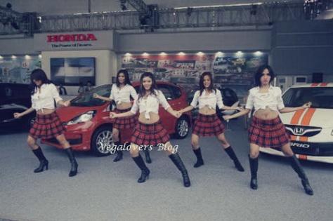 Dancer menari - vegalovers