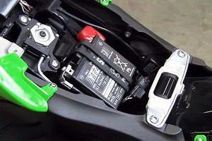 081811-kawasaki-battery-tips