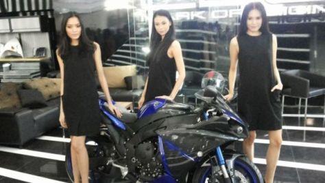 Moge Yamaha Dikeroyok 3 Wanita