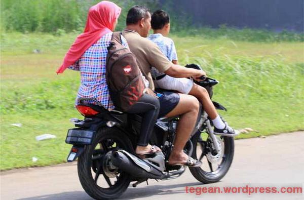 Menyemai Etika di Jalan Raya