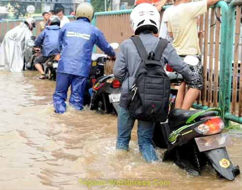 Saat Musim Hujan itu Jakarta selalu Banjir