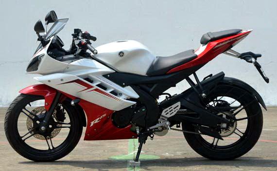 yamaha R15 kombinasi Merah-putih