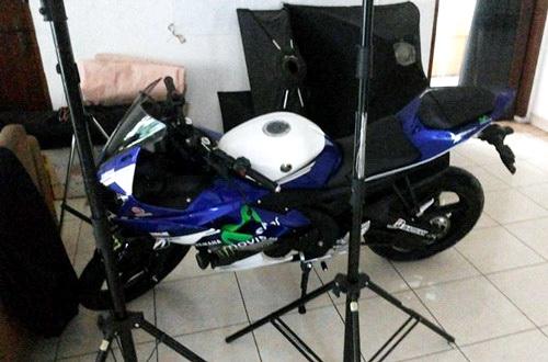 Yamaha R15 livery MotoGP 1