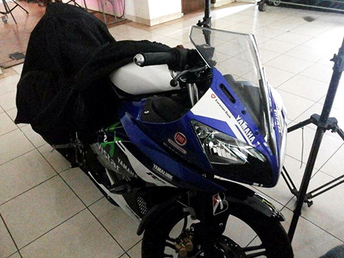 Yamaha R15 livery MotoGP 3