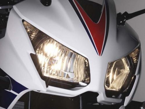 Honda CBR250R 2014 dual-keen-headlamp
