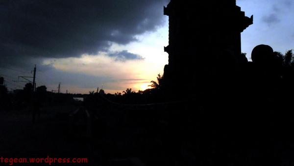 Candi di gerbang Jatinegara Baru