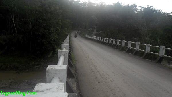 jembatan menuju kec. kejobong