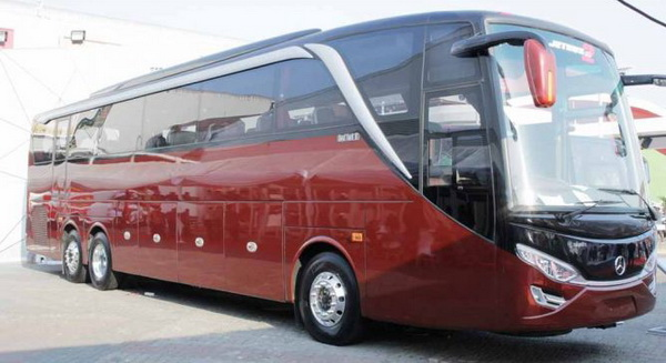 Sasis Bus Mercy OC 500 RF 2542 - TegeanBlog