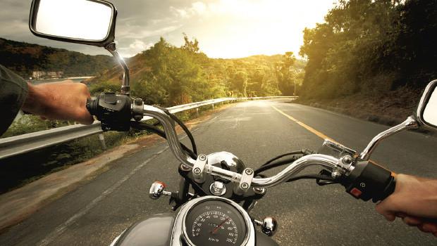 sepeda motor tetap stabil saat dikendarai