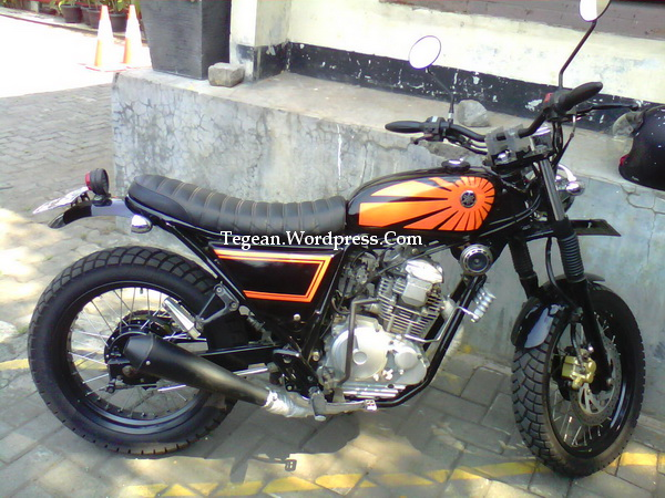 Modifikasi Honda Scorpio Ala Streetfighter