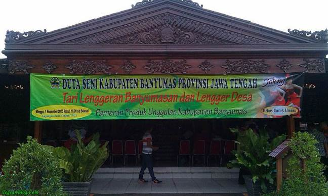 contoh banner