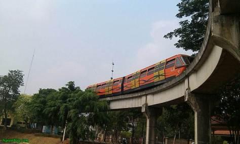 monorail TMII