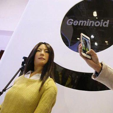 Geminoid, Menjadi Robot Terseksi di Dunia