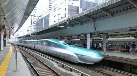 Kereta api E5 Seri Shinkansen Hayabusa