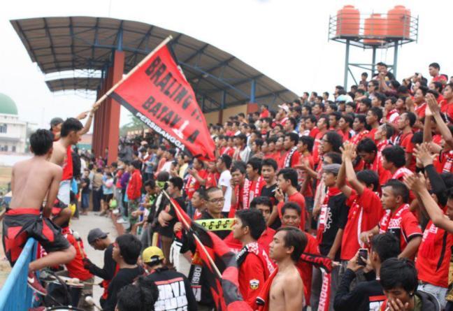 supporter sepakbola klub persibangga