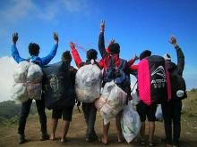 relawan-bersih-gunung-slamet.jpg.jpeg
