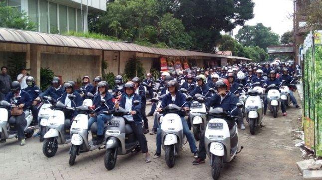 60 Karyawan Operasional PLN Pakai Motor Listrik Viar Q1
