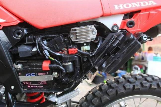 Lokasi ToolBox Honda CRF150L